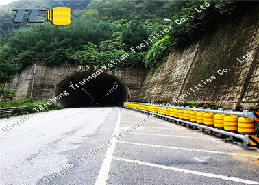 China Guardrail Anti Shock Spacing 0.5m Road Roller Barrier supplier