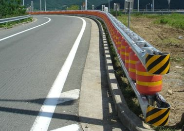 China Motorway Non Aggressive Roller Barrier Fence For Central Isolation Belts factory