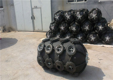 China High Gas Tightness Submarine Fenders Rubber Material For Ship Docking factory