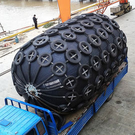 China Rubber Pneumatic Marine Fender Dock Defense Boat Fender With Tyre To Vessel Mooring / Moor factory